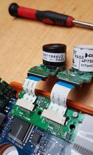 Serwis detektorow przenosnych